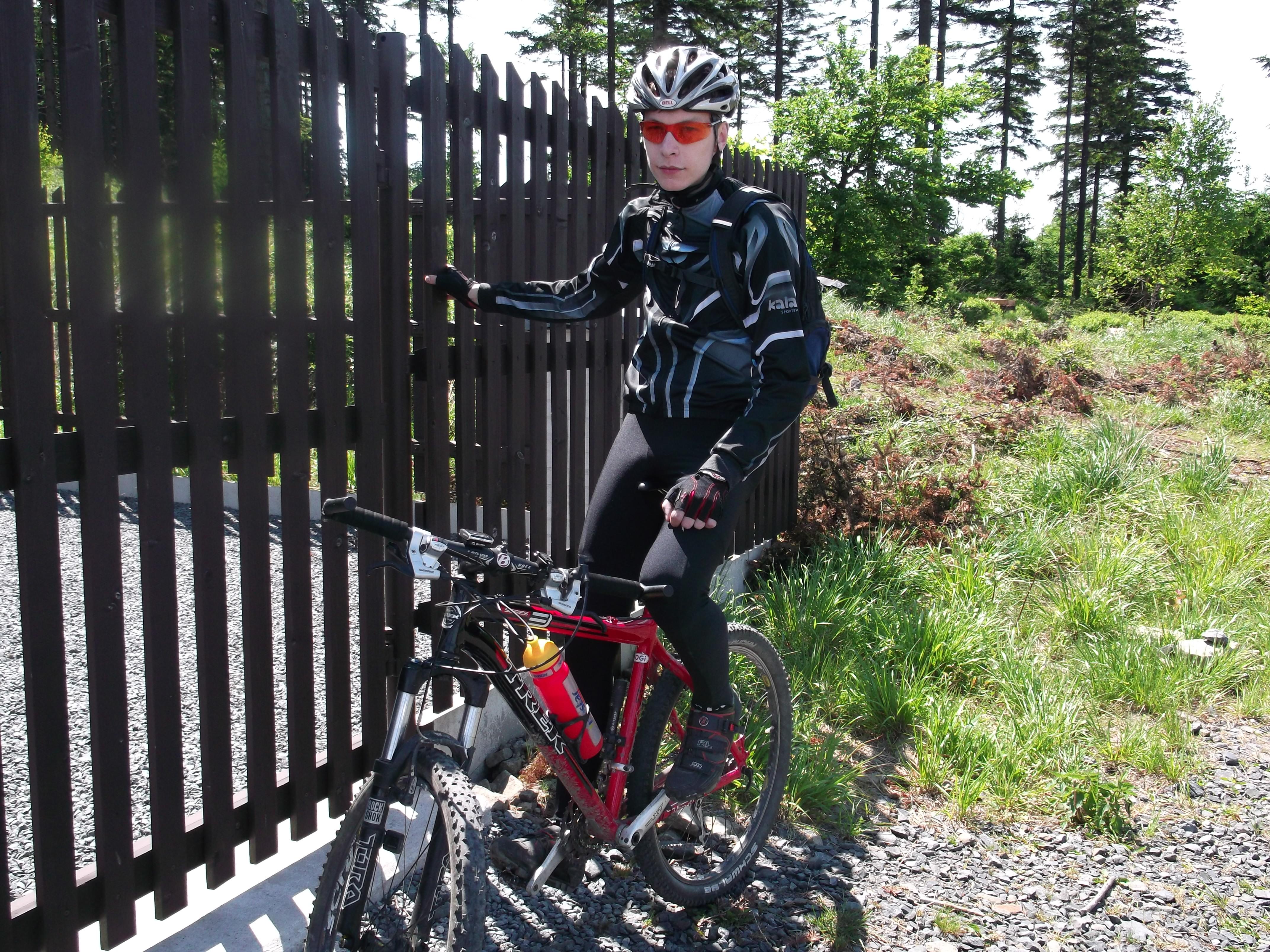 Marek odreagovává třeba jízdou na kole. Zdroj fotky: Archiv Marka Maťovky